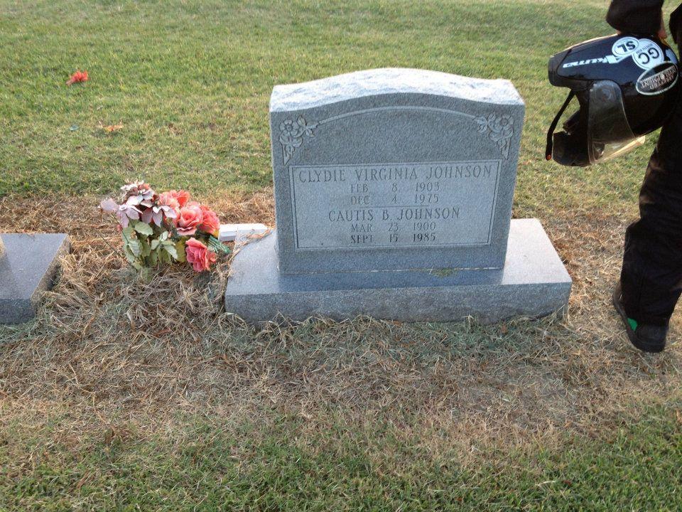 pawpaw, mawmaw grave